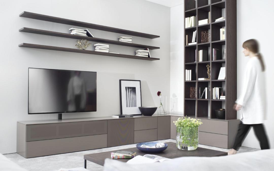 BXB Agenturen, Ambachtelijk gemaakt meubilair uit Duitsland en Japan